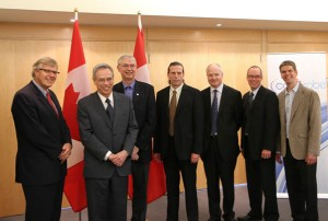 Minister Oliver with UHN, Techna and the Centre for Probe Development and Commercialization leadership